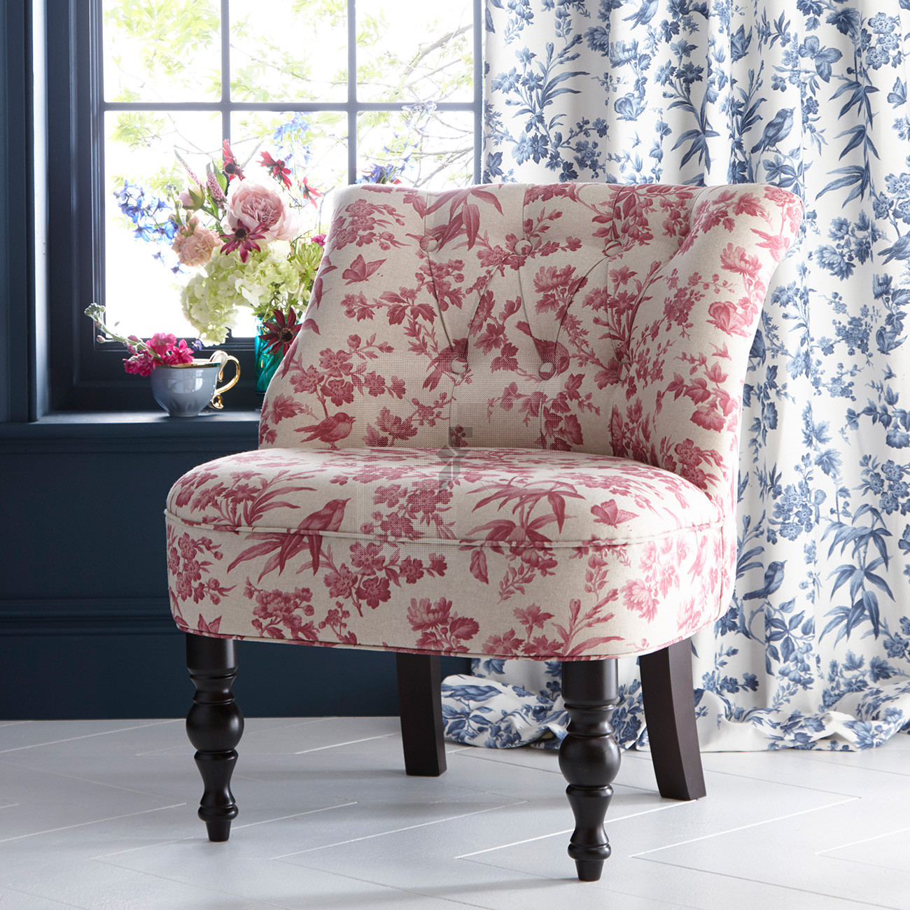 Oasis Amelia Raspberry Odette Chair